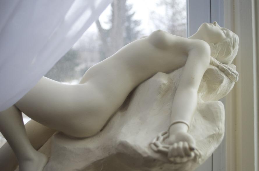 woman-white-monument-statue-greek-ancient-983440-pxhere.com