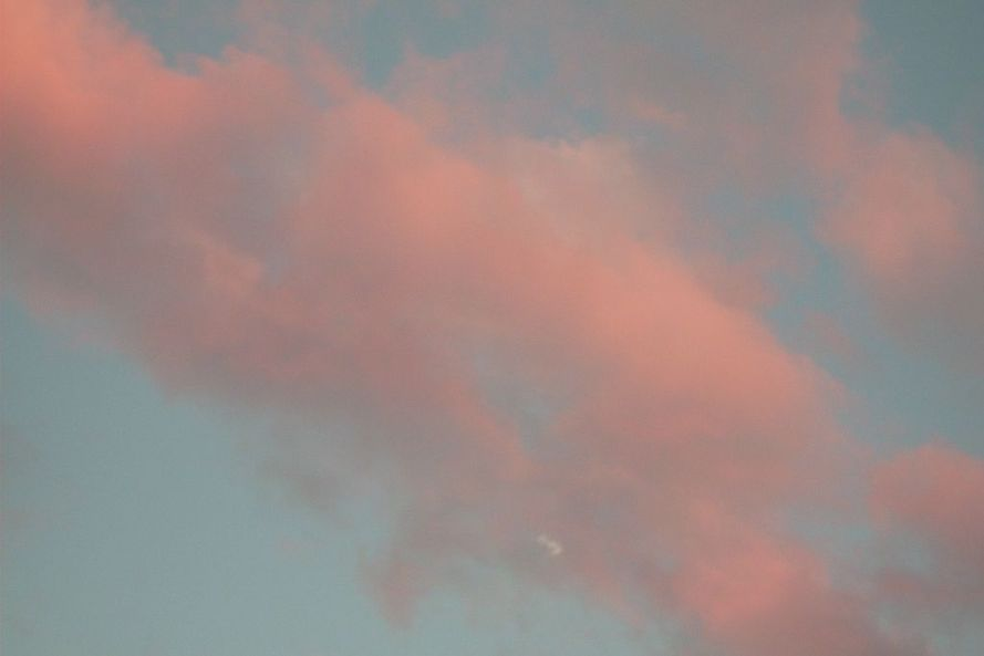 1024px-pink_clouds