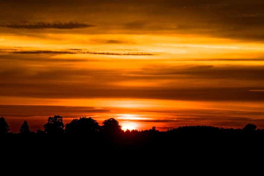 abendstimmung afterglow backlit clouds