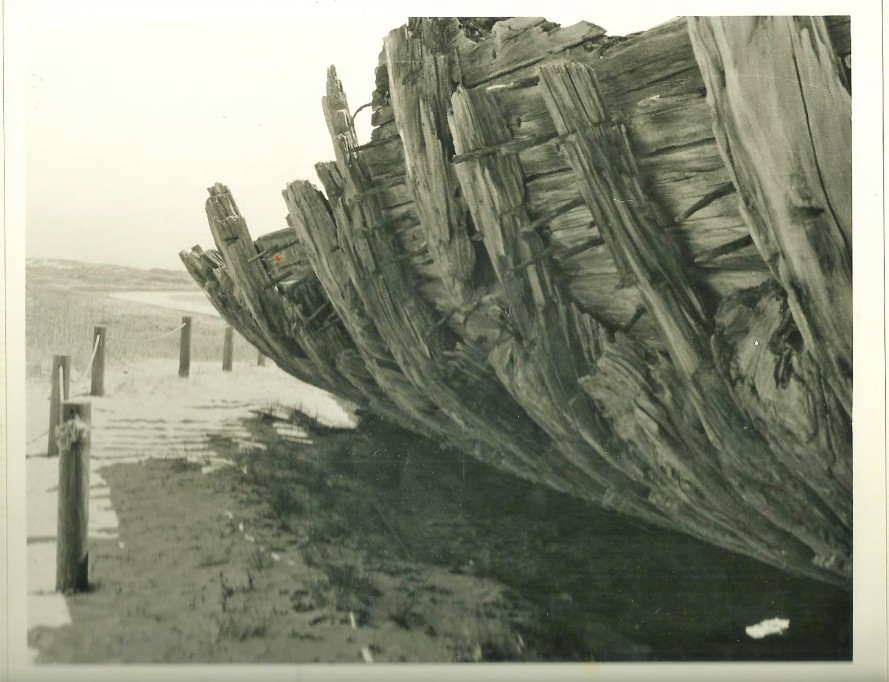 Nags Head Shipwreck 001