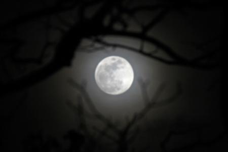 shifting-clouds-mask-moon