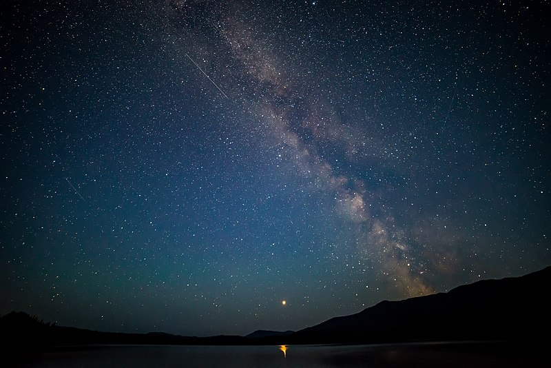 800px-Mars_and_Milky_Way