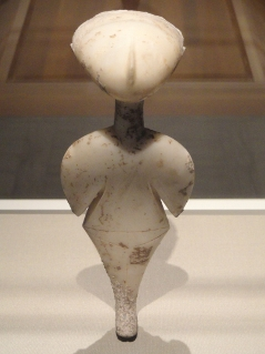 Stargazer,_statuette_of_a_woman,_about_3000_BC,_early_bronze_age,_perhaps_western_Anatolia,_marble_-_Cleveland_Museum_of_Art_-_DSC08090 (239x319)